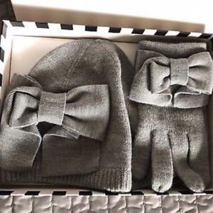 kate spade Accessories - NWT Kate Spade Dorthy Bow Beanie And Glove Box Set